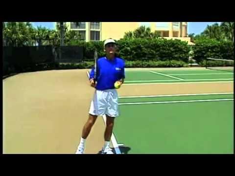 học tennis - cách phát bóng chuẩn - www.tennishouse.vn