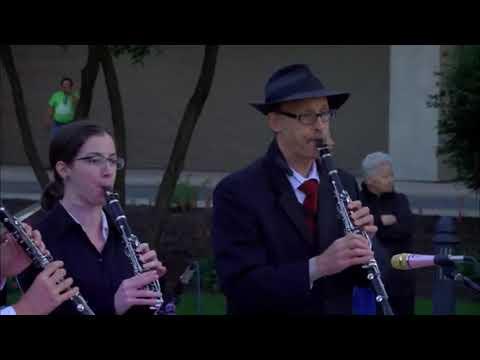 S'iz Freylech Bei Yidn And Odessa Bulgar: Maxwell Street Klezmer Band, Skokie