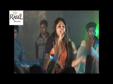 Dola de re pagla Covered By University Girls Live Stage Show