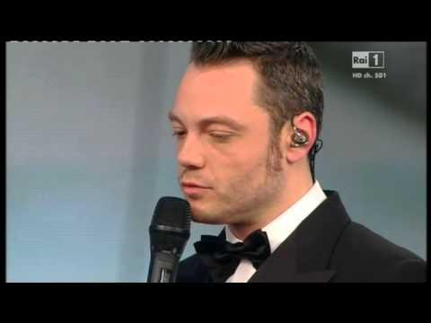 Sanremo 2015 - Tiziano Ferro - Prima serata 10/02/2015