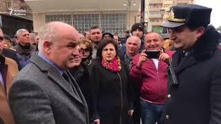 Polislə Müsavat Partiyasının başqanı arasında mübahisə