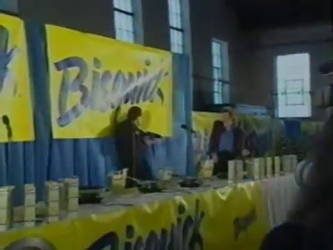 Gary Bauer Flipping Pancakes, NH Primary 2000
