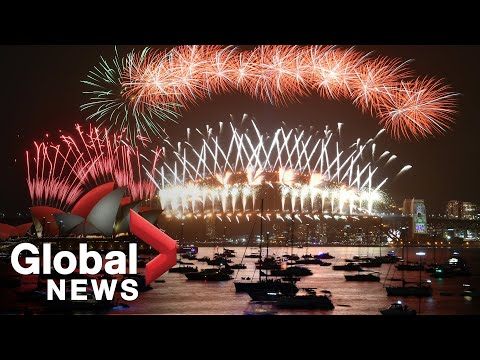 New Year's 2020: Sydney Puts On Famous Fireworks Display | FULL