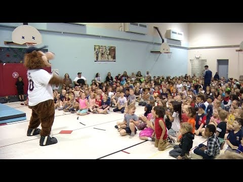 Minnesota Twins Surprise Students at SEA School in Golden Valley