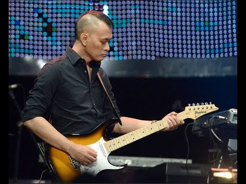 Andra Ramadhan *DEWA 19 *The Backbone Solo Guitar ^Marlboro Concert