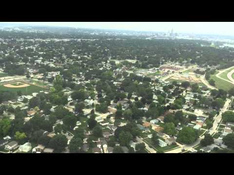 American Airlines Flight 5028 Landing at Omaha Eppley Airfield 2015 06 22