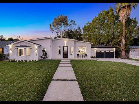 11945 Hartsook Street Valley Village, CA 91607