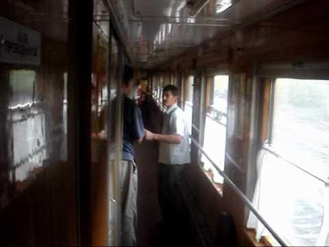 Поезд Москва - Новороссийск пьяный дядя бурагозит.avi