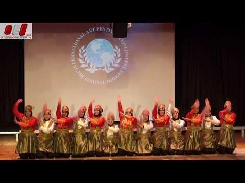 «Indonesian Folk Dance» Folk Group «Universitas Islam». Yogyakarta. Indonesia. Vienna Stars