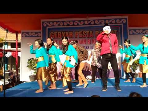 Kewer Kewer (Libertaria feat. Riris Arista) - cover Keris Semarang