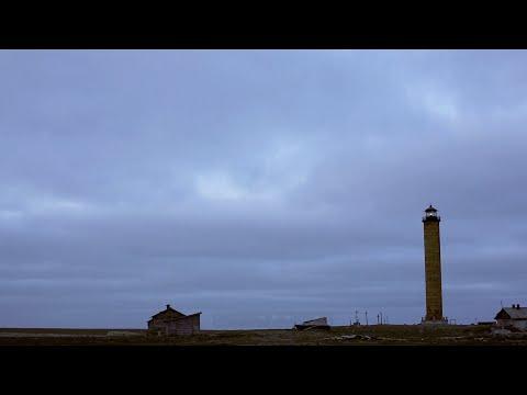 Работающий маяк, о. Матвеев, Печорское море | Lighthouse in action, Matveev Island, Pechora sea