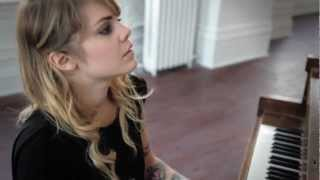 Coeur de Pirate Wood Wires Session