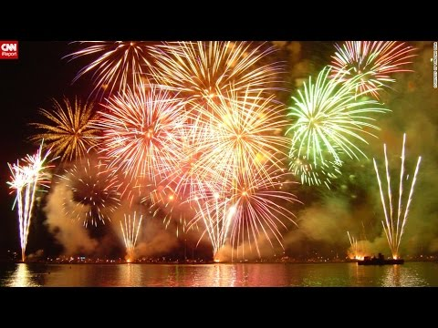 Top 10 Best Fireworks in The World - YouTube