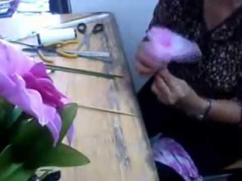 OTOPผลิตภัณฑ์ดอกไม้ประดิษฐ์จากผ้าใยบัว