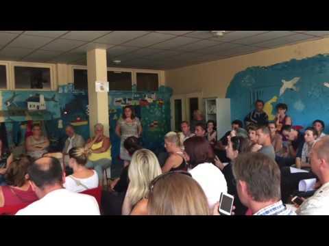 2/5 : Centre de migrants à Forges Les Bains : réunion parents d'élèves (10/09/16)
