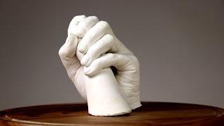 ¡Para siempre! Esculturas detalladas de las manos de la familia
