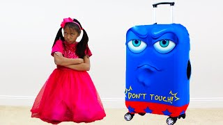 Download Wendy Pretend Play with New Robot Luggage Suitcase Traveling Toy for the Holidays Mp3 and Videos