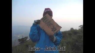 Video Raisa - Jatuh Hati [Lirik] download MP3, 3GP, MP4, WEBM, AVI, FLV Oktober 2018