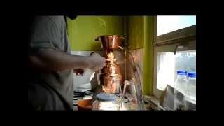 Repeat youtube video Pálinkafőzés egy 10 literes alquitara pálinkafőzővel
