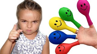 Lana Bermain Mengisi Air Dalam Balon Daddy Finger Nursery Rhymes | Learn Colors With Balloons
