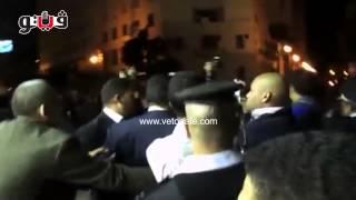 مغادرة علاء وجمال مبارك عزاء والدة «بكري»