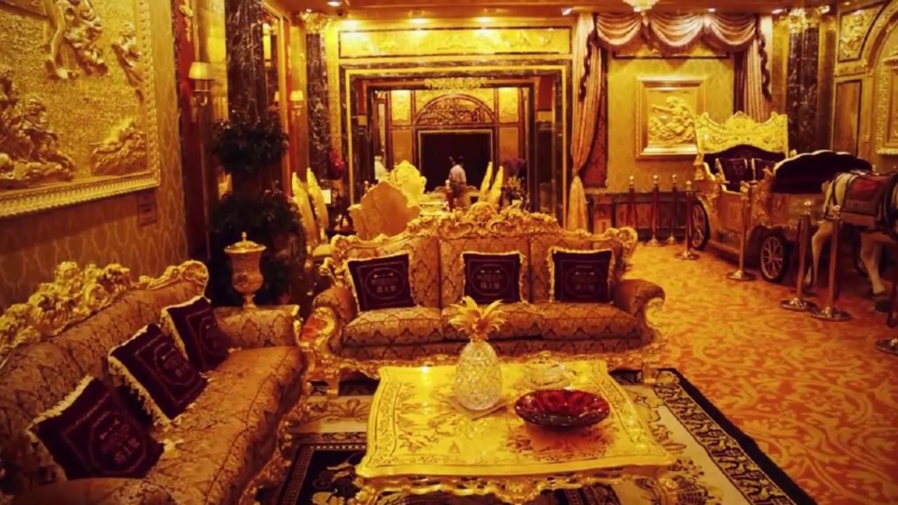 Charming Golden House In Hong Kong