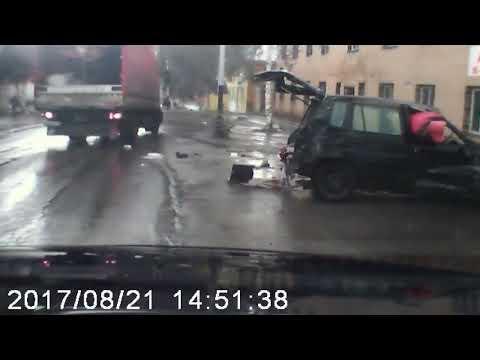 Mazda перевернулась в воздухе в результате ДТП в Прокопьевске