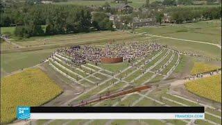 هولندا تقيم نصبا تذكاريا لضحايا الطائرة الماليزية التي تحطمت شرق أوكرانيا
