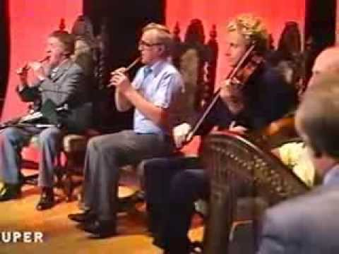 "Irish traditional music : ""The Chieftains"" play "" O'Sullivan's March"""