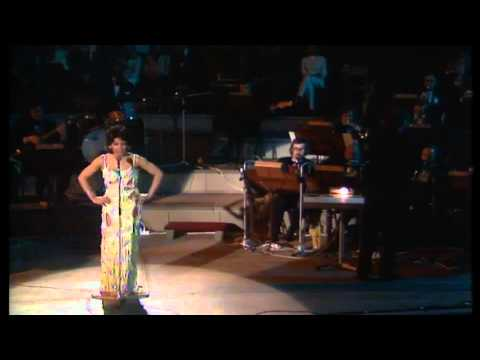 Shirley Bassey -The Lady Is A tramp- (unedited footage)