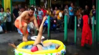 Vận động viên bơi lội bá đạo nhất thế giới =))