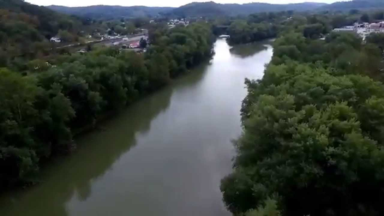 Louisa Ky Down Lock Avenue And Up The Big Sandy River