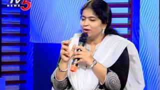 Ne Toli Sariga Song by Singer Usha | Santhosham Movie | Special Interview | TV5 News