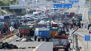 فرنسا: بعد عملية احتجاجية في مدينة ليون المزارعون يفتحون الطرق أمام حركة المرور    24-7-2015