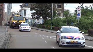 Crashtender 03-9367 onder politie begeleiding met {spoed} naar kazerne Delfzijl