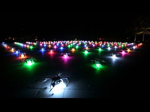 1,000 drones fly in formation! Watch the breathtaking show in China
