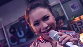 Download Mp3 Rossa - Ku Menunggu