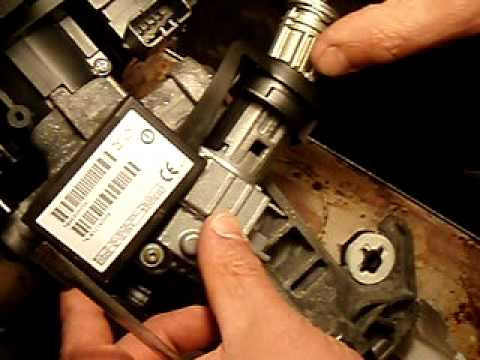 99 04 Grand Cherokee    ignition    cylinder removal  YouTube
