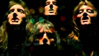 Queen - Bohemian Rhapsody (Live at Wembley)