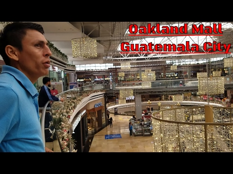 Mr Bone conociendo Oakland Mall en Guatemala City. Guatemala. Parte 2/22