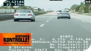 Aufholjagd mit 200 kmh: Können sie den Mercedes einholen? | Achtung Kontrolle | kabel eins