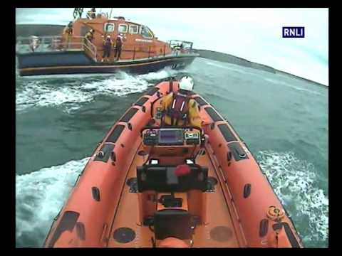 Newquay And Padstow RNLI Volunteers Assist In The Rescue Of Three Adults From Mawgan Porth