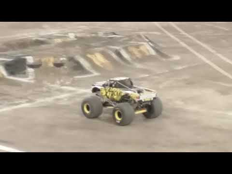 Monster Jam Toronto 2018 Sunday Show Xtreme Diesel Freestyle!