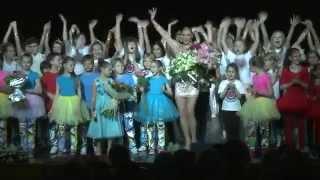 Анастасия Волочкова танцует и поет фрагменты программы Анастасия Волочкова детям