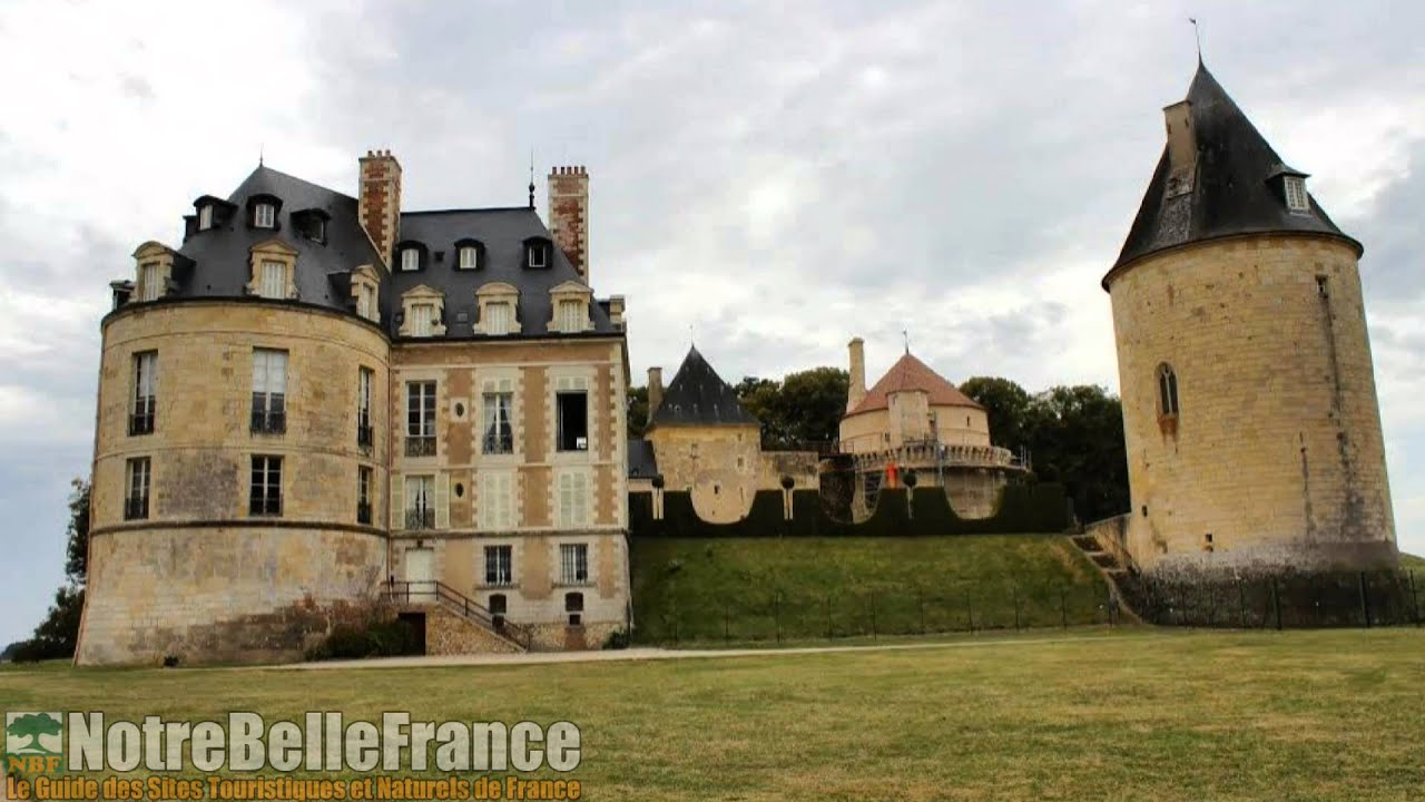 Apremont Sur Allier Chateau Apremont Sur Allier Notrebellefrance Plus Beaux Villages De France Hd