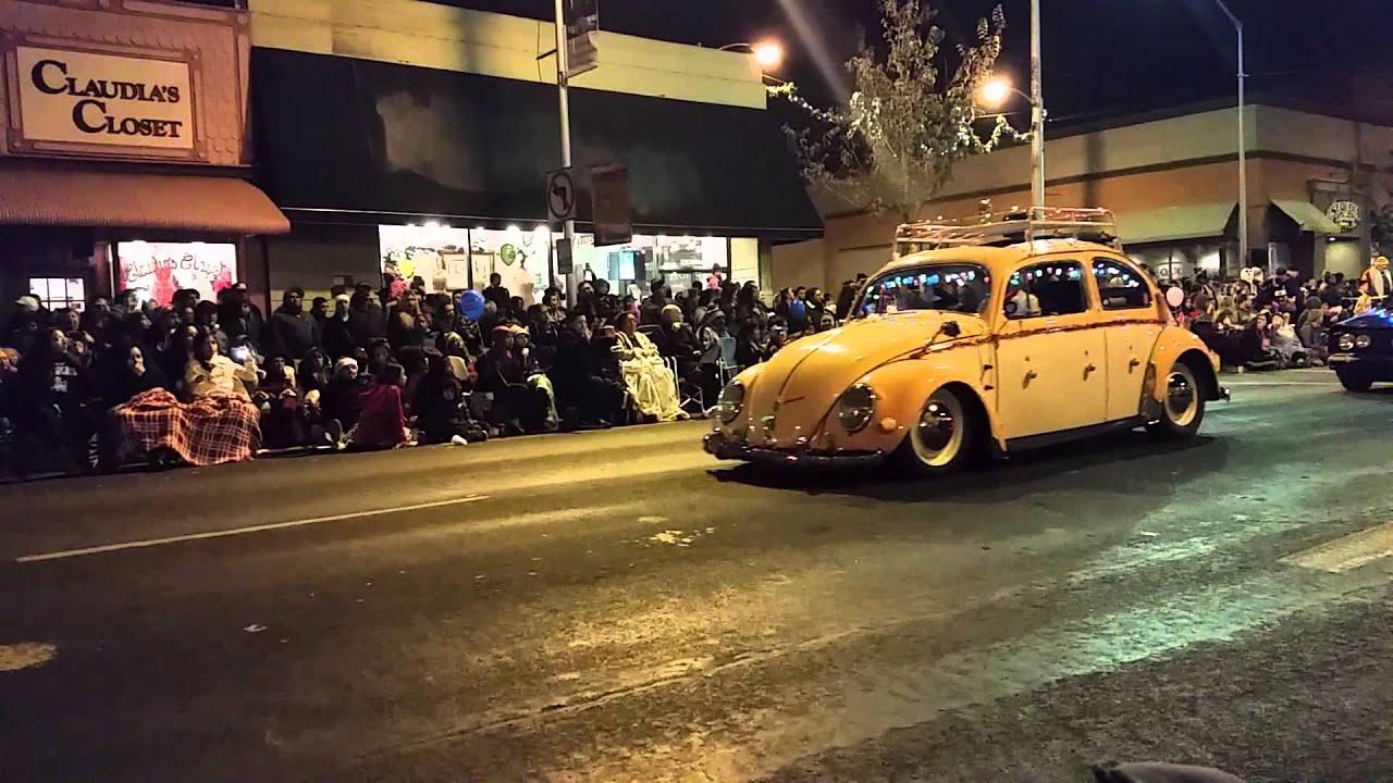 Volkswagens at the 2015 Visalia Christmas Parade - YouTube