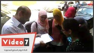 بالفيديو.. مدرس يراجع امتحان