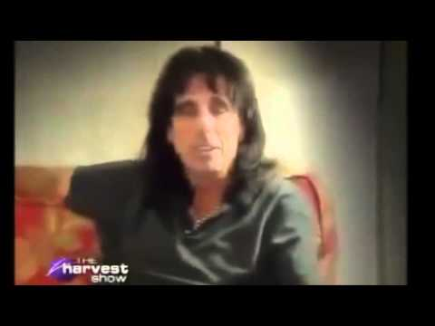 Alice Cooper: Gives Life to Christ | Testimony