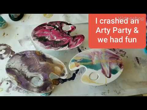 An Arty Party I Crashed And We Made Some Art | Resin Pouring | Resin Tutorial | Resin For Beginners