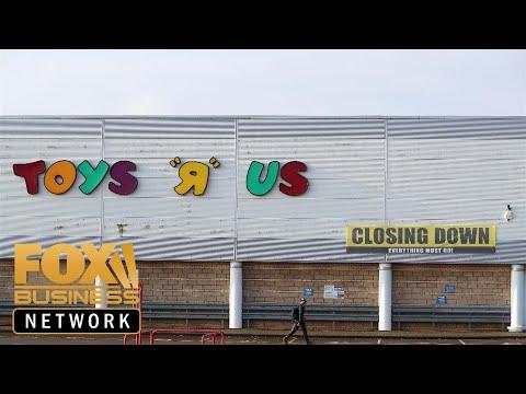 Elizabeth Warren Blames Private Equity For Demise Of Toys 'R' Us